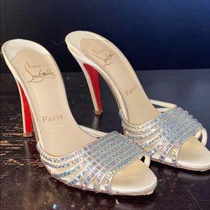 CHRISTIAN LOUBOUTIN heel